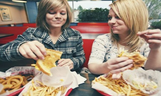 Eating Fatty Food During Teenage Might Up Breast Cancer Risk